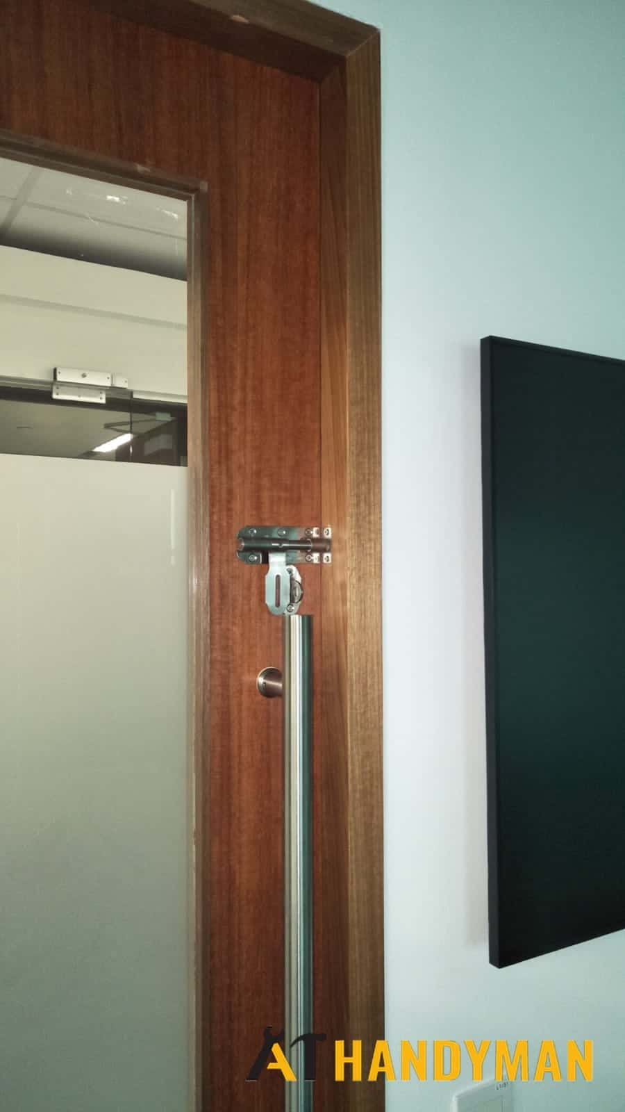 door-lock-installation-latch-assembly-singapore-commercial-changi-business-park-4