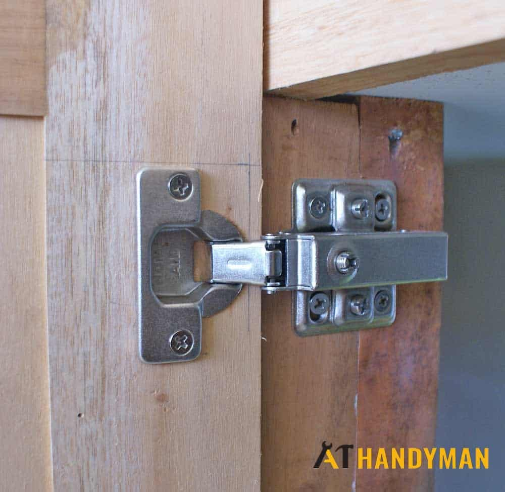 hinge-repair-on-wooden-door-a1-handyman-singapore