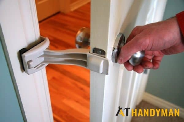 keep-door-open-for-hinge-repair