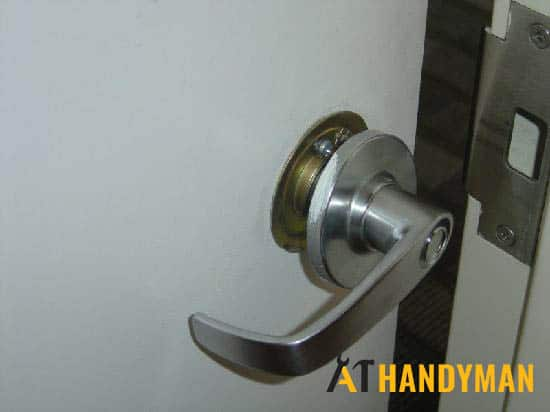 loose-door-handle-singapore-hdb