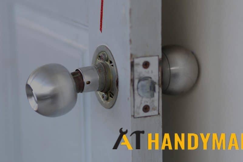 loose-door-knob-a1-handyman-singapore