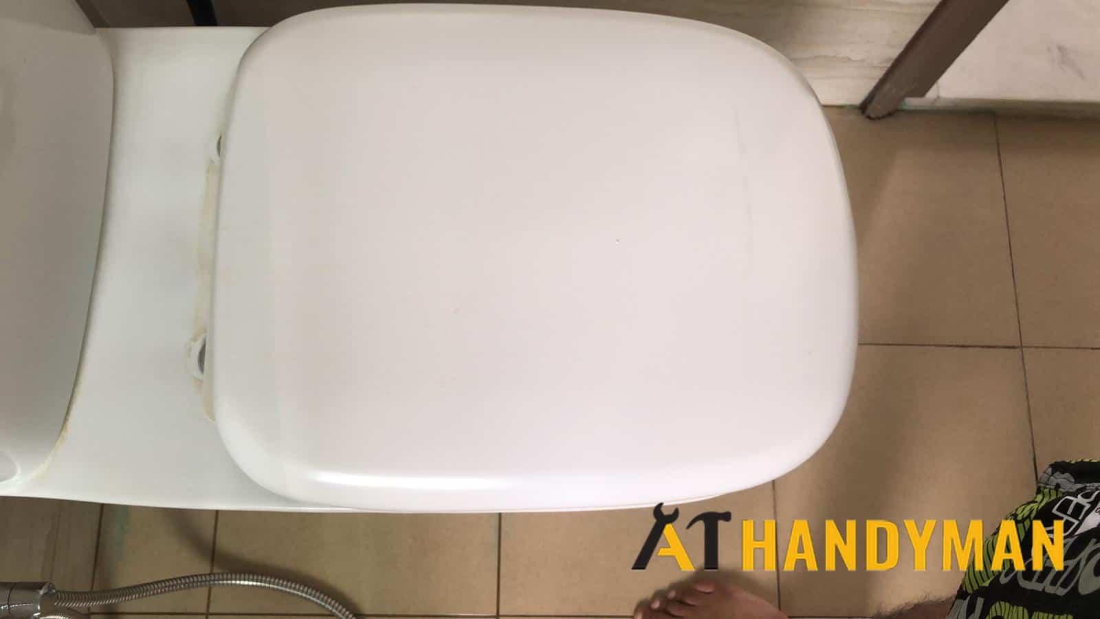 toilet-seat-hinge-repair-singapore-condo-jalan-pasir-ria-1