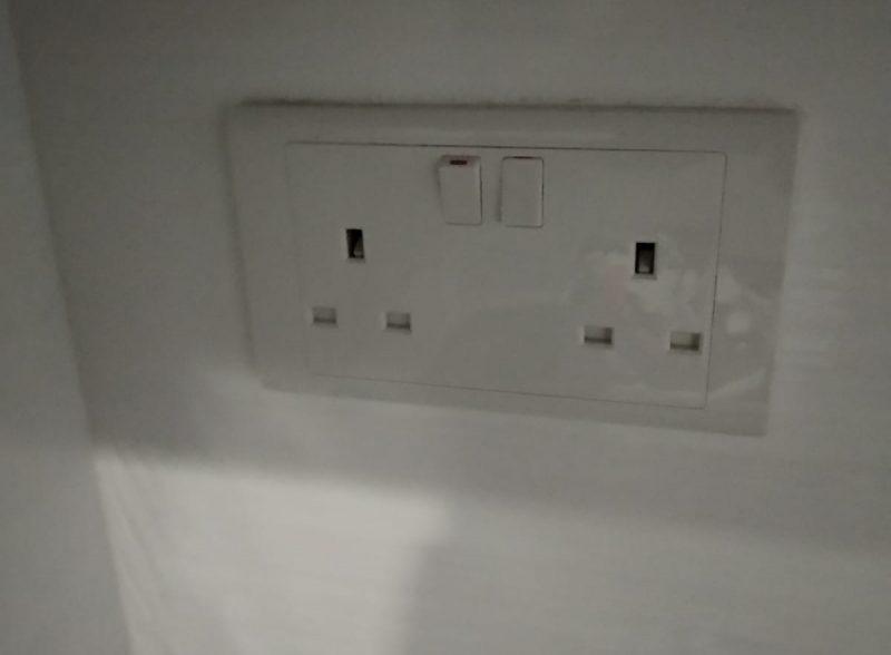electrical-socket-not-working-singapore-condo-bukit-timah-electrical-handyman-2_wm
