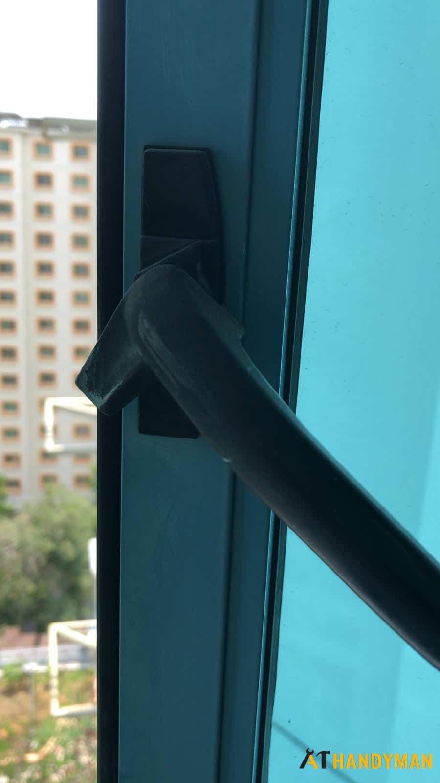 Window Handle Replacement Handyman Singapore Hdb Punggol