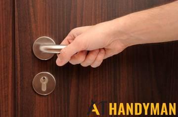 stuck-door-handle-door-lock-replacement-a1-handyman-singapore